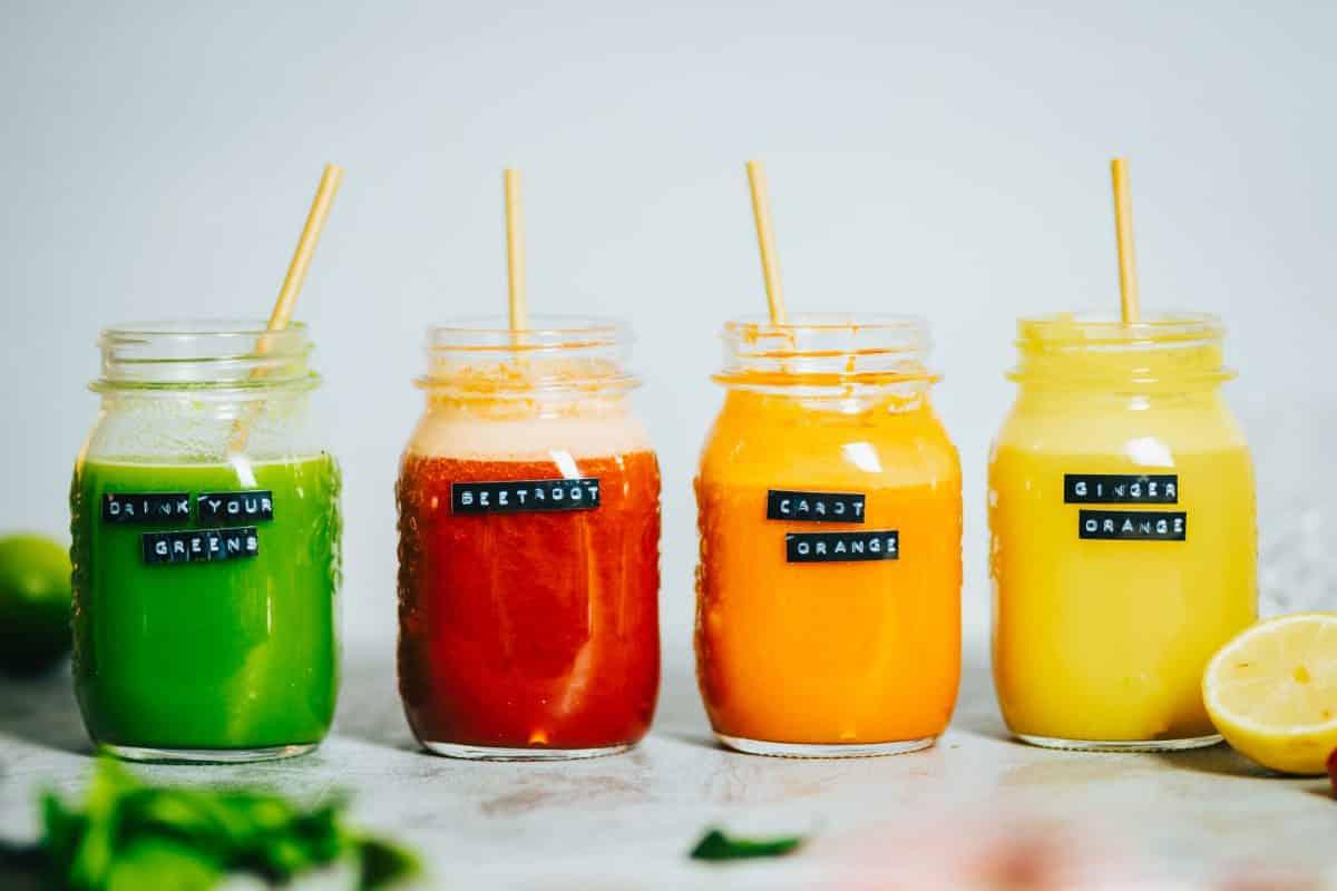 Gelber Powersaft mit Ingwer und Orange 4