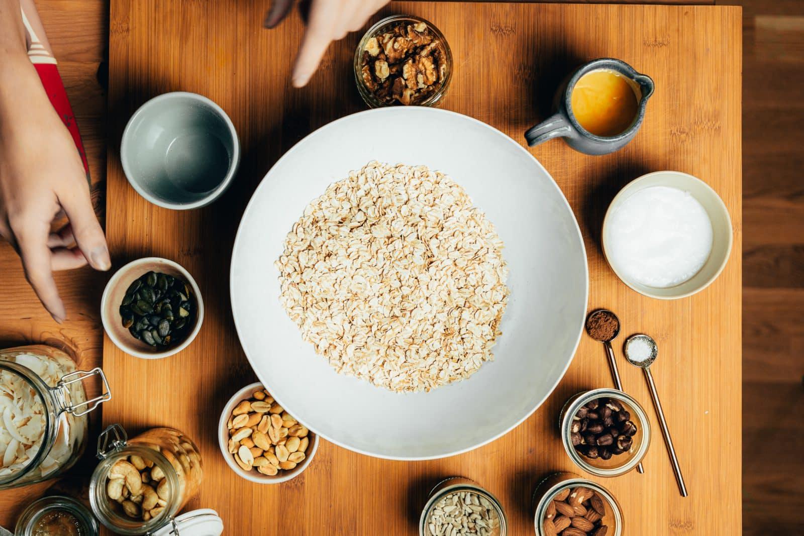 Granola (Knuspermüsli) in wenigen Schritten selber machen - einfach und lecker